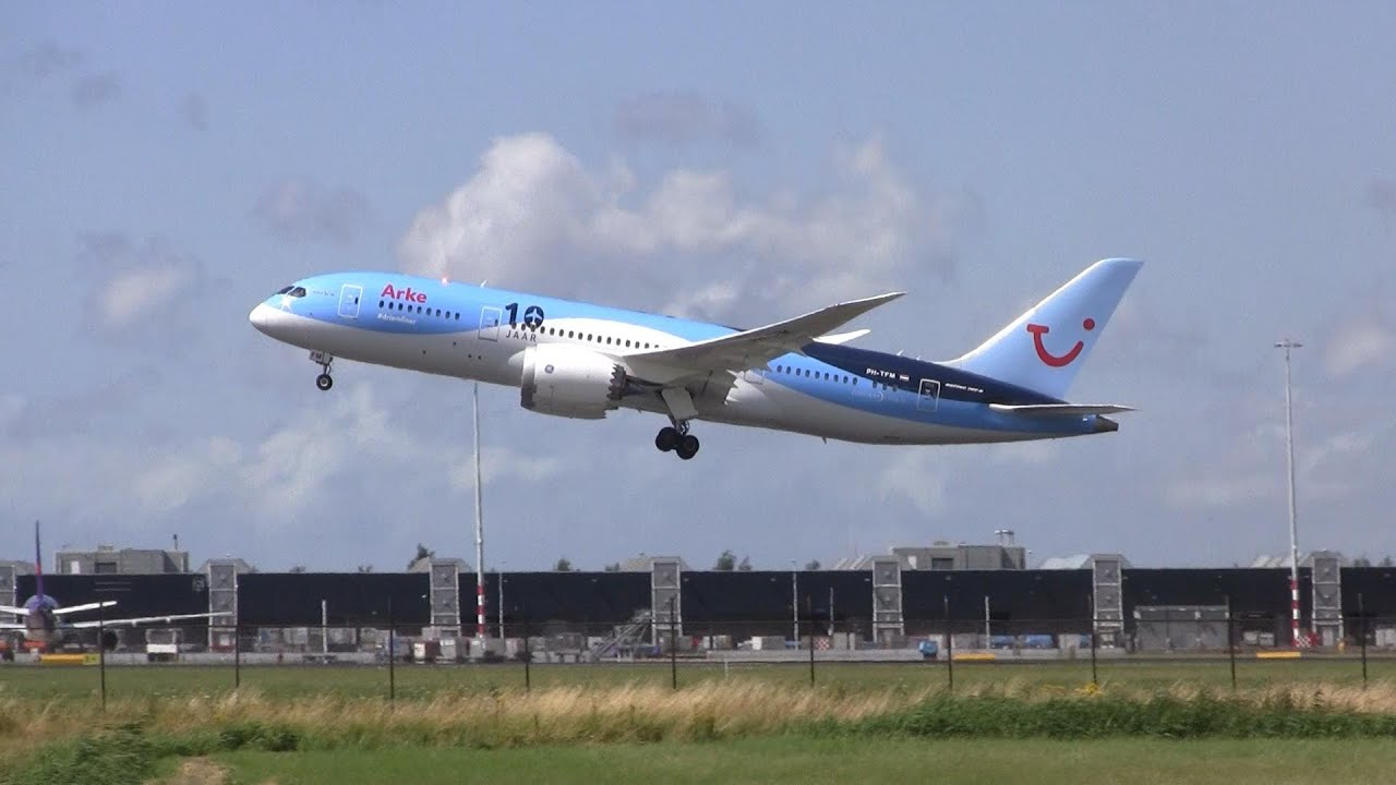 Arke Boeing 787-8 Dreamliner Takeoff Amsterdam Airport ...