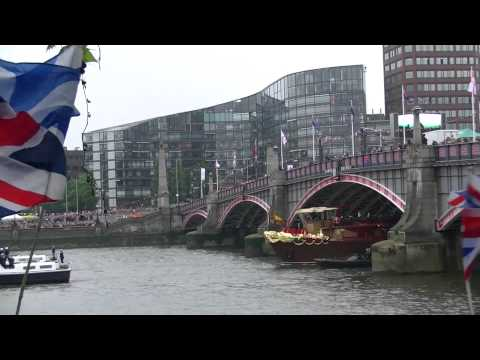 Queen Diamond Jubilee in London Thames Full HD 2012