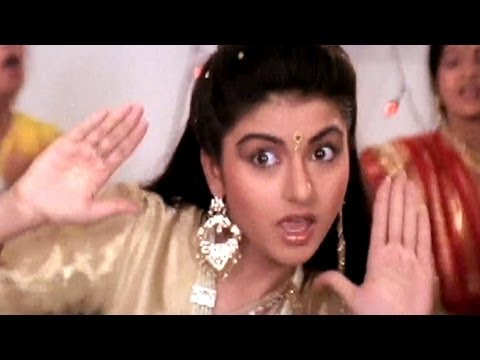 Ni Main Sas Kutni, Bhagyashree, Anuradha Paudwal - Ghar Aaya Mera Pardesi Dance Song