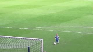 юный футболист растопил сердца фанатов