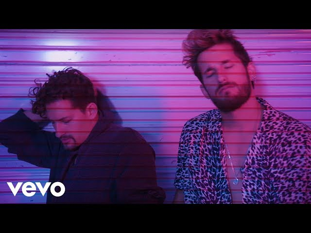 Mau y Ricky, Becky G - Mal de la Cabeza (Official Lyric Video)
