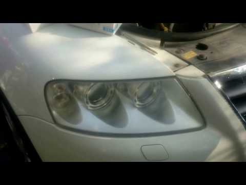 Volkswagen Touareg, xenon lamba değişimi - замена ксеноновой лампы