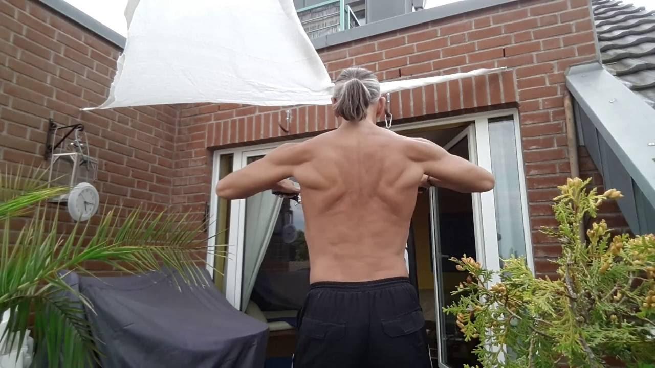 Rücken und Trapez Muskel Training Personal Trainer Düsseldorf - YouTube