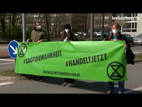 Extinction Rebellion Bremen blockiert Straßen in und um Bremen