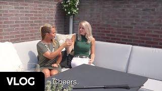 Volendam deel 3   Relaxen met Monique Smit   Kees Smit Tuinmeubelen