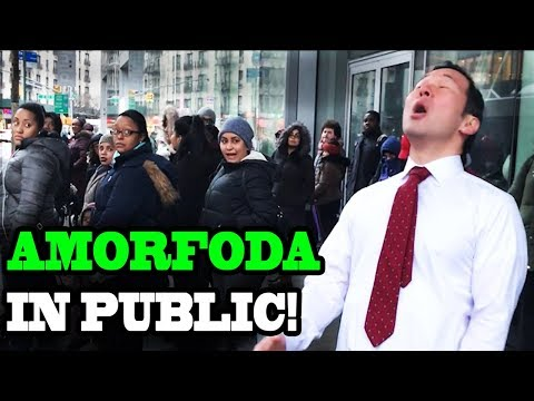 "BAD BUNNY - ""Amorfoda"" - SINGING IN PUBLIC!!"