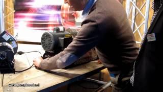MagnaDrive Adjustable Speed Drive.(De MagnaDrive Adjustable Speed Drive brengt via magnetisme de aandrijfkracht van de motor over op een last zoals een pomp of een ventilator., 2012-03-23T09:33:04.000Z)
