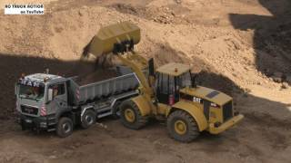 RC Construction Site: Wheel Loaders and Trucks in Action