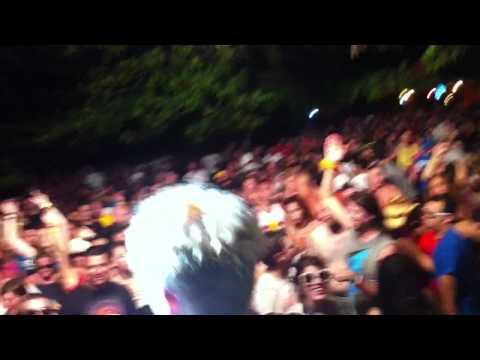 Loud Neighbor - Property Value live @ Sunjam 2011