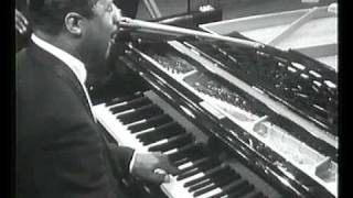 Erroll Garner plays Misty