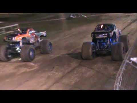 All American Monster Truck Tour - Overkill Evolution vs Iron Warrior (Racing)