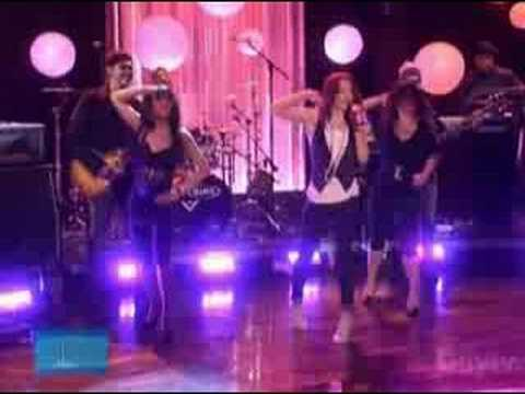HILARY DUFF - With love [Live at Ellen Degeneres Show 2007]