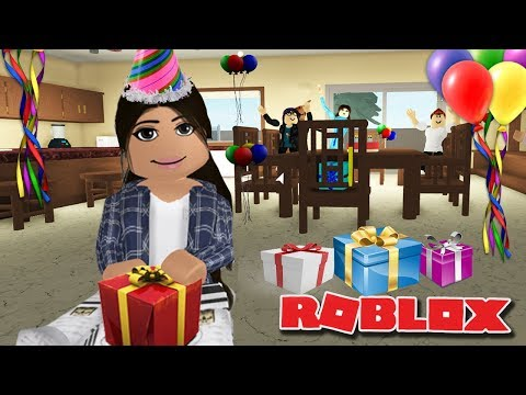 EVERY DAY IS MY BIRTHDAY | Growing up | Roblox