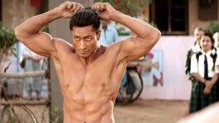 Bodybuilder vs wrestler fight scene || Bollywood movie 2020fi