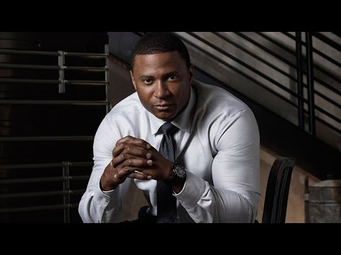 Arrow: David Ramsey on How Diggle Reacts to The Flash