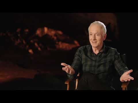 """Star Wars: The Last Jedi: Anthony Daniels """"C-3PO"""" Behind the Scenes Official Movie Interview"""