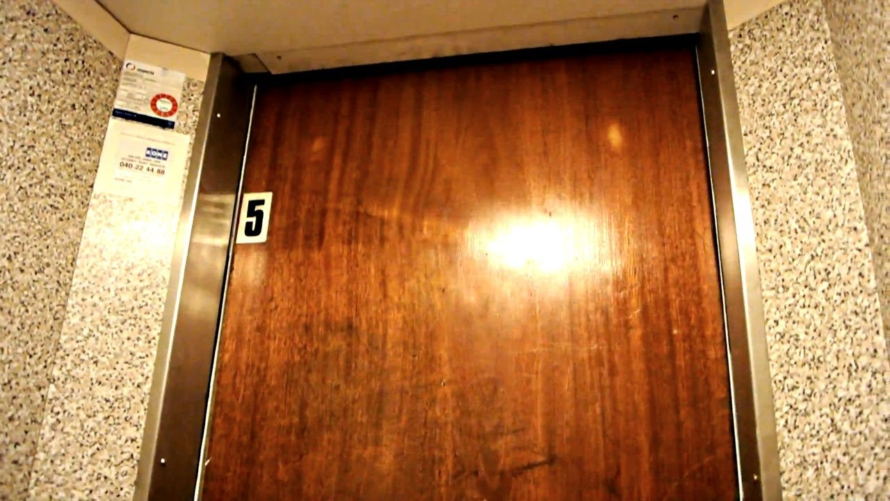 Old elevator without inner doors (mb. OTIS) @ Djäknegatan 4 Malmø Sweden - YouTube & Old elevator without inner doors (mb. OTIS) @ Djäknegatan 4 Malmø ... pezcame.com