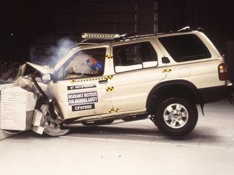 1997 Nissan Pathfinder SE moderate overlap test