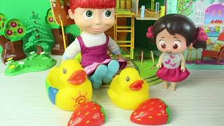 Niloya Ve Masha Çiftlikte Oyun Oynuyor Eğitici Çocuk Videoları