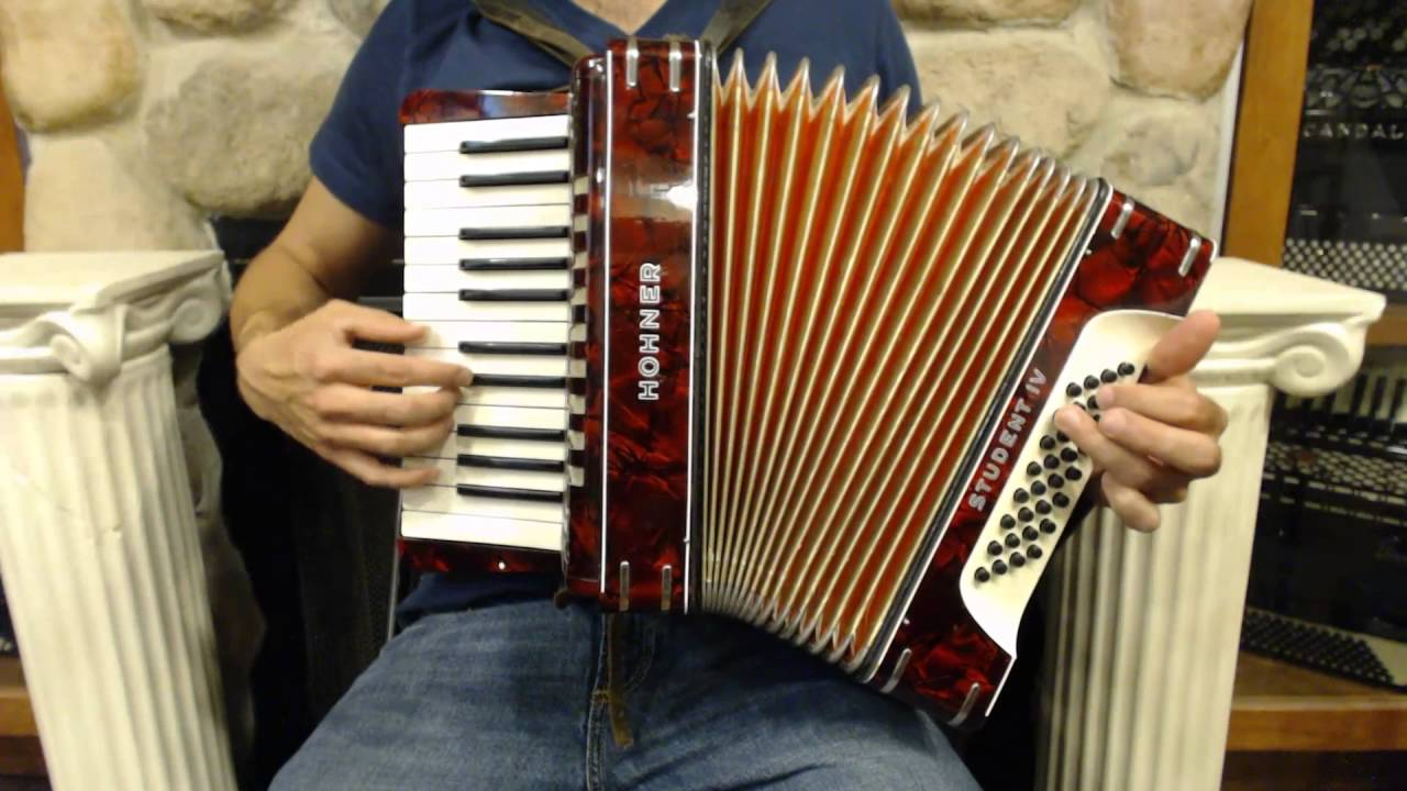 How to play a 32 bass accordion lesson 8 introduction to 7th how to play a 32 bass accordion lesson 8 introduction to 7th chords la cumparsita hexwebz Choice Image