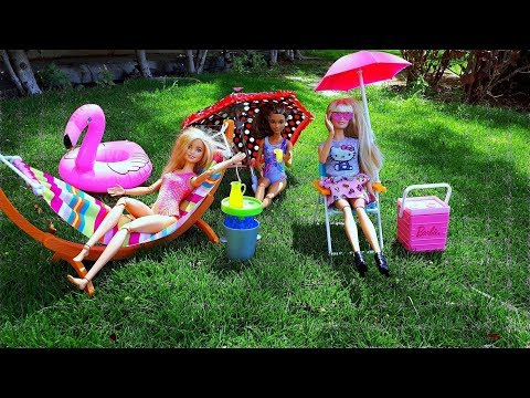 Barbie girls and Weekend on the Swimming Pool! Play dolls