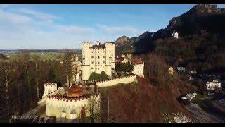 Замок Хоэншвангау  (Schloss Hohenschwangau) в Баварии | Аэросъемка Херсон(Замок в южной Баварии поблизости от одноименной деревни, районного центра Швангау и города Фюссен, чуть..., 2016-01-18T14:57:07.000Z)