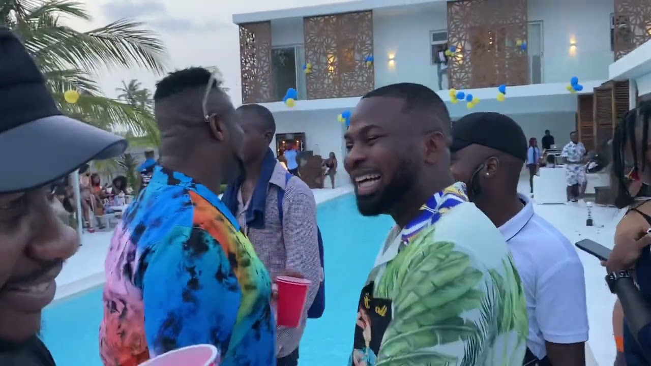 Download Destalker Cracks Burnaboy, Pocolee, others up at Lagos Socialite Birthday Hangout.