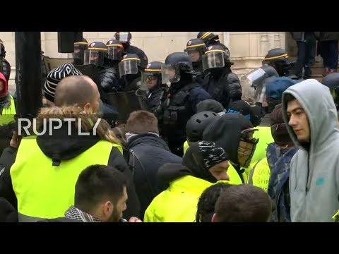 LIVE: Yellow vests call for unauthorised protest in Bourges - UNMUTED
