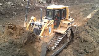 CAT D6 XL  with nice sound pushing dirt