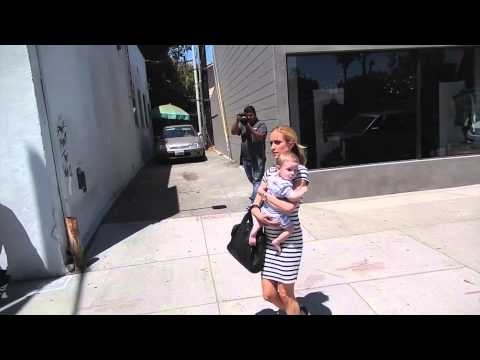 Kristin Cavallari Keeping Gender of Baby a Secret | Splash News TV | Splash News TV