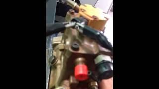 Bomba da caterpillar 938h como colocar no ponto.