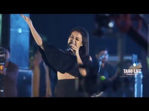 Mere Rashke Qamar Neha Kakkar Stage Show