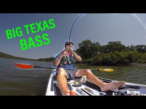 Finding BIG FISH In A HIDDEN Texas Lake