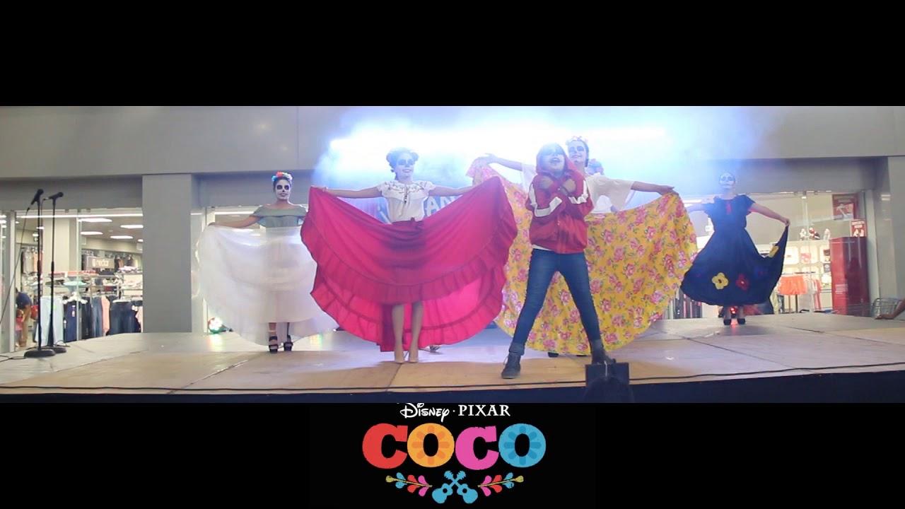 Ver COCO LA PELICULA EN ESCENA CON PRODUCCIONES CANDY SHOW! en Español