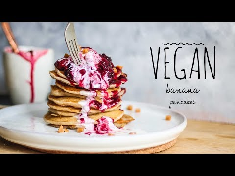 vegan-banana-pancakes-&-compote---perfect-for-weekend-brunch!