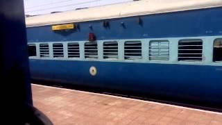 bsl wap 4 prerna express overtakes gondwana expres