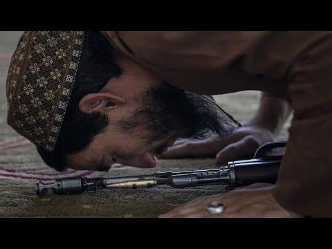 فيديو | إمام مسجد في كابول يكيل المديح لطالبان خلال خطبة الجمعة …  - نشر قبل 2 ساعة