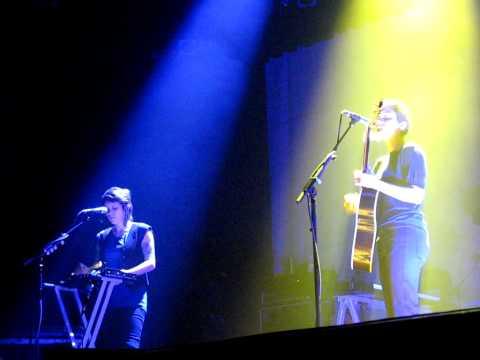 19/22 Tegan & Sara - Sit Down Right Now! + BIYH (Acoustic) @ Lakewood Auditorium, OH 3/28/10