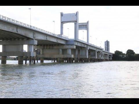 Resultado de imagem para pulando da ponte presidente dutra