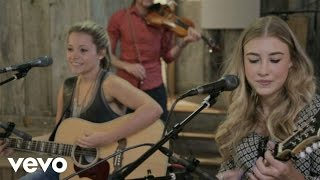 Maddie & Tae - Girl In A Country Song (Acoustic)
