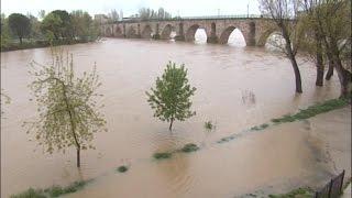 El río Duero alcanza su nivel récord en Zamora