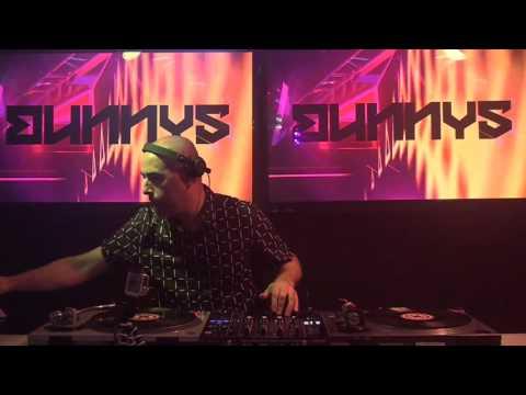 Techno No Frontiers :: DJ Bunnys aka Ban Schiavon :: Fev17