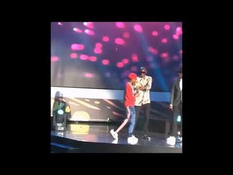 DAVIDO AND WIZKID WINNERS OF 2017 AFRICAN AWARD SEE HOW THE CELEBRATE