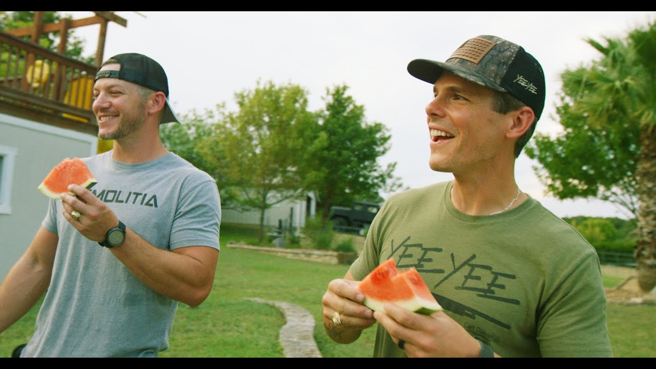 Granger Smith - Country Things (Official Music Video)