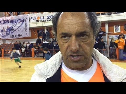 Argentinian Candidate Scioli Answers in English