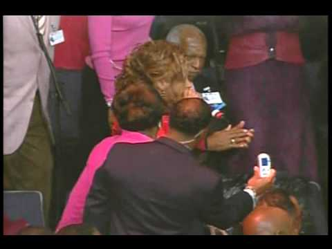 Dorinda Clark Cole - Don't Wait Til The Battle Is Over