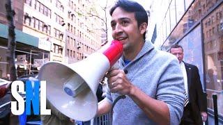 Host Lin-Manuel Miranda Brings Ham4Ham to SNL Standby Line