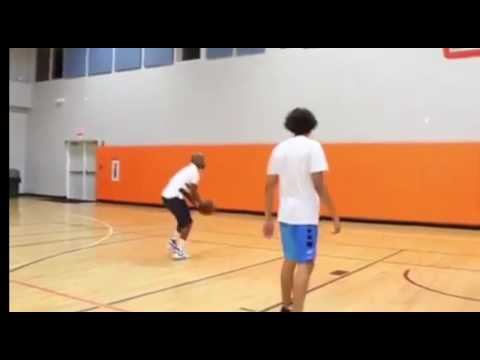 Floyd Mayweather Making It Rain On Basketball Court All Net - EsNews Boxing