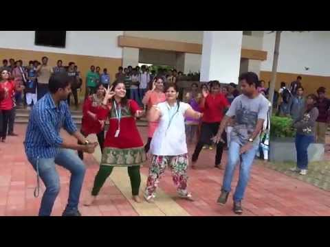 Confidence building exercise in Leadership at VIT Chennai by VIT BUSINESS SCHOOL