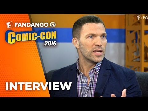 'Kubo and the Two Strings' Director Travis Knight Interview – COMIC CON 2016
